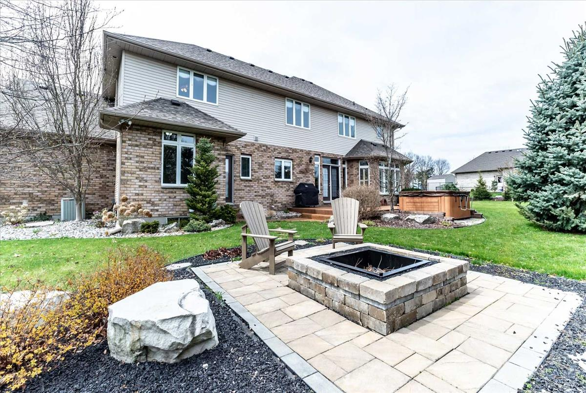 2269 Lakeside Dr Sarnia Ahmed Akhtar